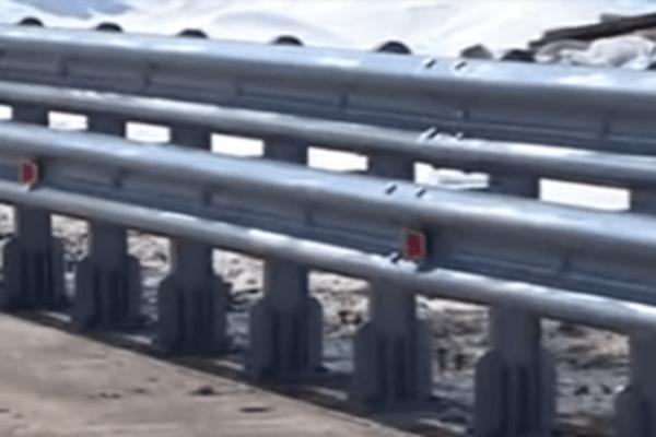 Поставки ограждения дорожного мостового одностороннего