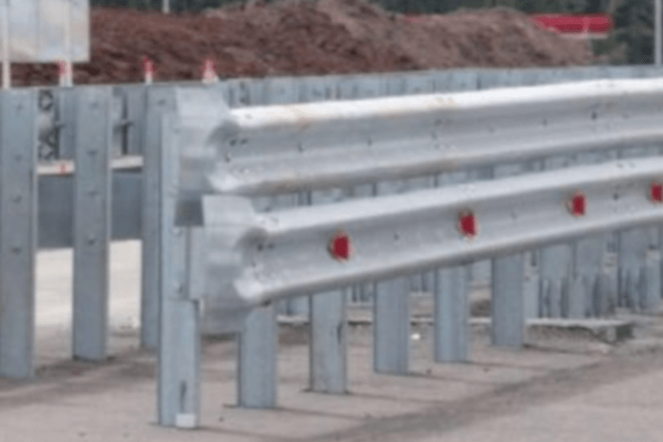 Установка дорожного ограждения двухстороннего 11ДД